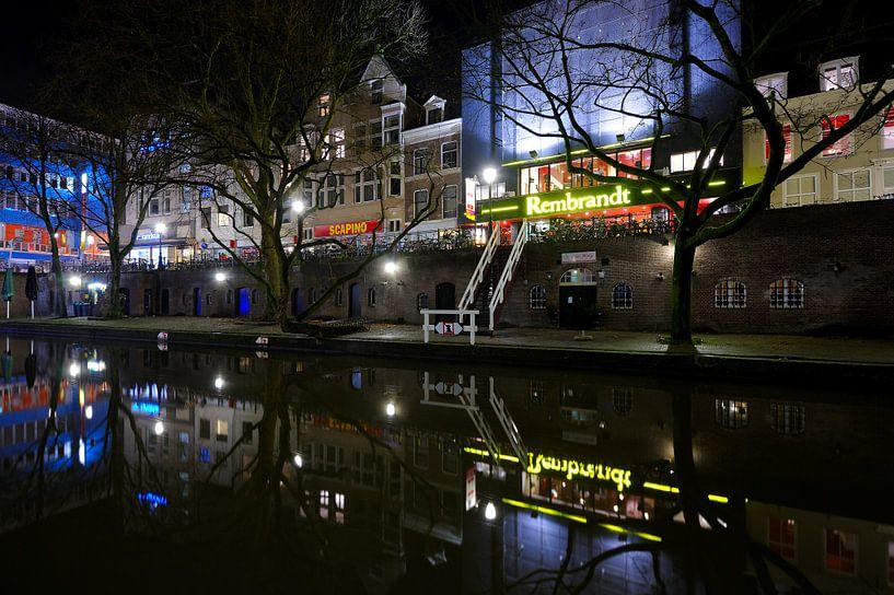 Bioscoop Rembrandt Theater aan de Oudegracht in Utrecht van Donker Utrecht