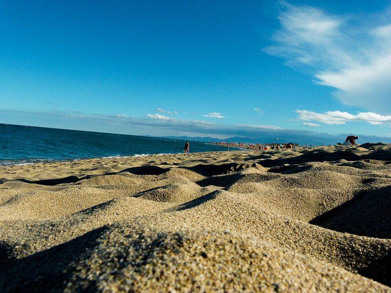 Zandbulten op het strand van Koop je Canvas
