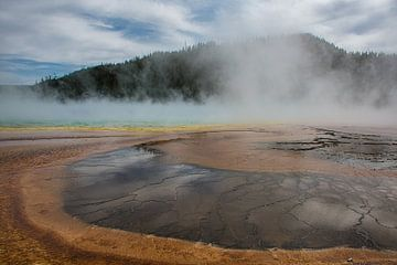 Geyser basin in Nationaalpark Yellowstone Amerika van Christien Brandwijk