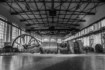 Industrial fabriekshal met grote machines