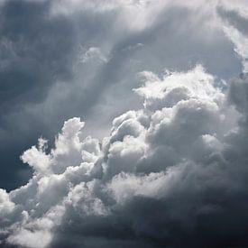 Stormwolken van Graham Forrester