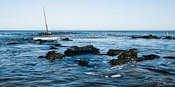 Meerblick mit Wellenbrecher vom Strand von Scheveningen von MICHEL WETTSTEIN