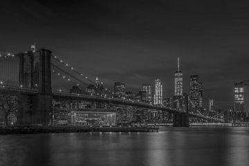Manhattan by Night von Rene Ladenius