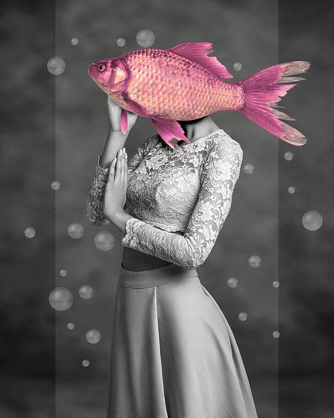 There's Something Fishy van Marja van den Hurk