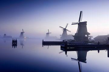 Vier Mühlen in Blau von Michael Klinkhamer