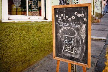Safe water, drink beer van Sjoerd van der Hucht