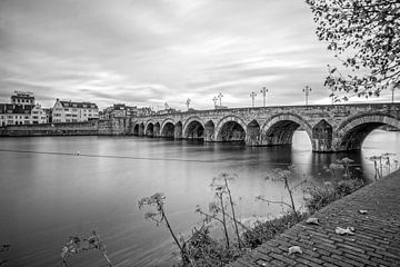 Sint Servaasbrug van Aron Nijs
