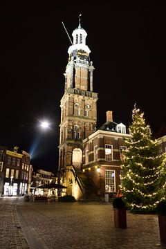 Wijnhuistoren in Zutphen tijdens de kerst van Gerard de Zwaan