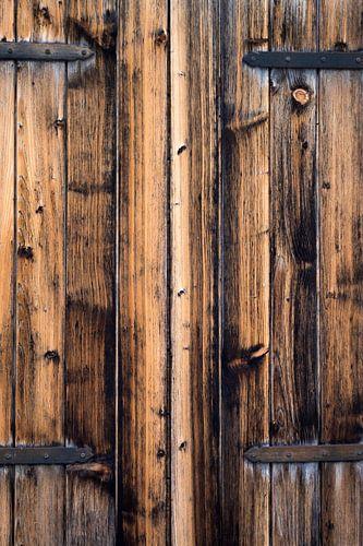 eikenhouten luiken met beslag von Hanneke Luit
