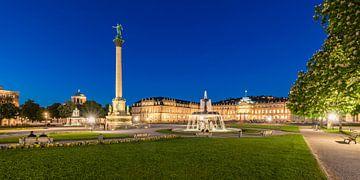 Schlossplatz in Stuttgart in de avonduren van Werner Dieterich