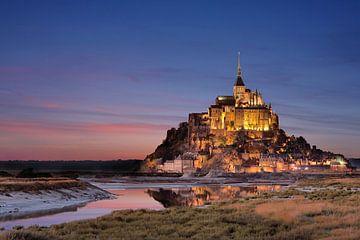 Le Mont-Saint-Michel sur la côte française sur Thomas Rieger
