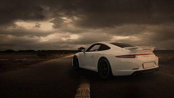 Porsche 911 blanche sur Ronald George