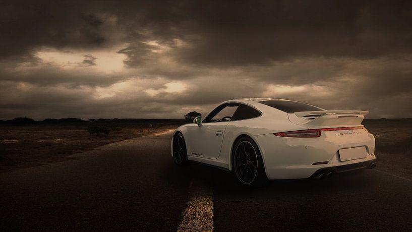 Weißer Porsche 911 von Ronald George