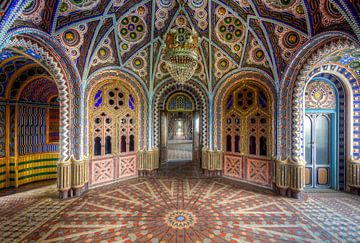 Bunter Saal in einem Schloss, Italien von Roman Robroek
