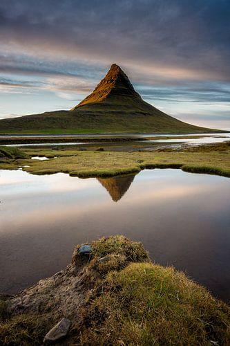 Landschap Kirkjufell IJsland van