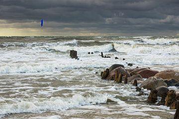 Die Ostseeküste bei Kühlungsborn an einem stürmischen Tag von Rico Ködder