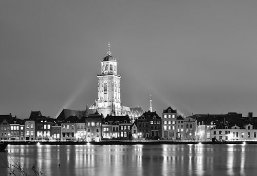 Deventer bij avond (zwart wit)
