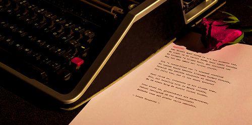 Typemachine met roos