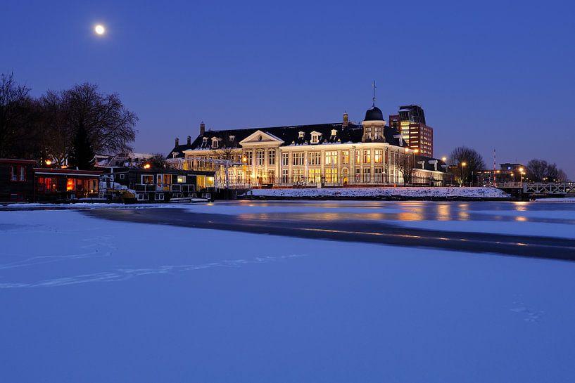 De Koninklijke Nederlandse Munt in de winter in Utrecht (1) van Donker Utrecht