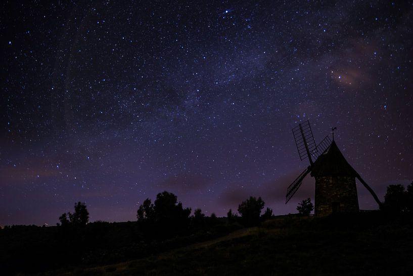 Mill with stars van Mark Zanderink