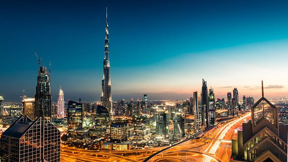 De Dubai Skyline  van Dennis Wierenga