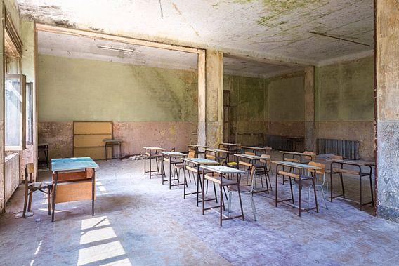 Verlaten Klaslokaal in de Bergen.