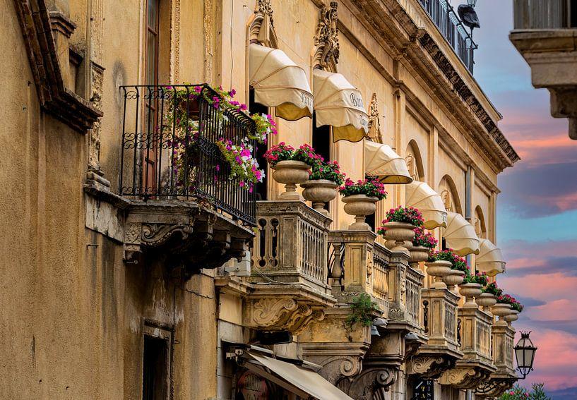 Sicilian balconies van Costas Ganasos