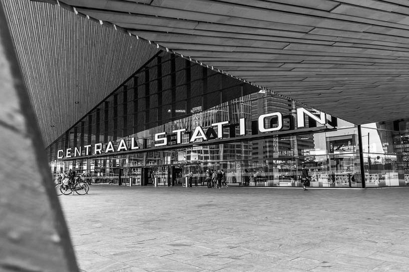 Centraal station Rotterdam van Sem Wijnhoven
