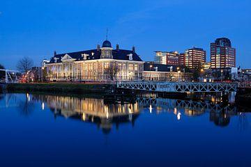 Koninklijke Nederlandse Munt aan het Merwedekanaal in Utrecht van Donker Utrecht