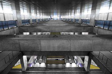Lissabon Underground 2 van Dennis van de Water