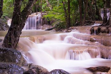 Erawan-Wasserfall von Anna Rose Hendrickx