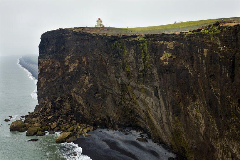 Dyrholaey cliffs van Eriks Photoshop by Erik Heuver