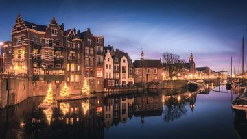 Rotterdam Delfshaven während der blauen Stunde von Niels Dam
