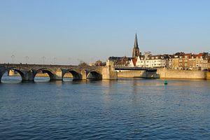 Sint Servaasbrug en Wyck op de Oostelijke Maasoever in Maastricht van Merijn van der Vliet