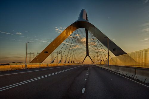 A bridge touched by the sun in the early morning van