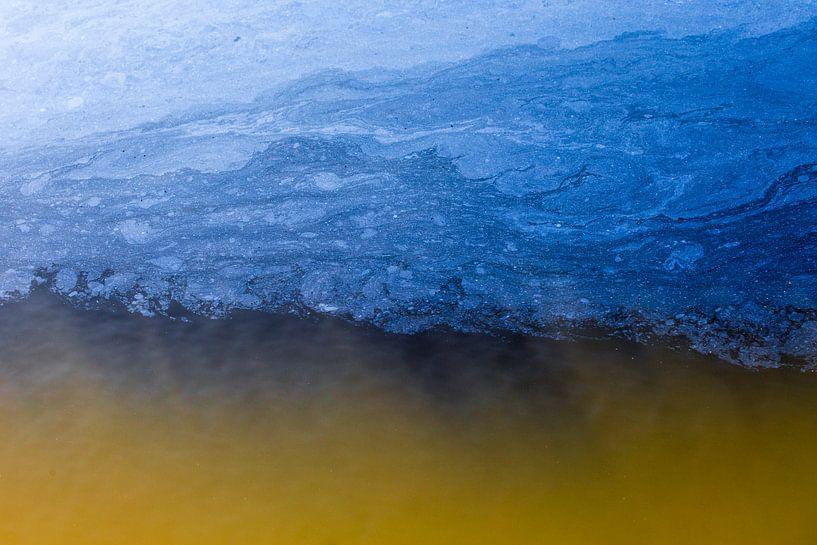 Wonderen in de sloot, Wolken boven een heidebrand. Terheijden, Terheijdense Binnenpolder, Noord-Brab von Ad Huijben