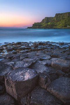 Irland Giant's Causeway Klippen mit Basaltfelsen von Jean Claude Castor