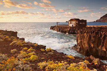 Hotel Punta Grande bij zonsondergang, El Hierro, Canarische Eilanden, Spanje van Markus Lange