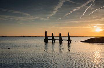 zonsondergang over het haringvliet van Compuinfoto .