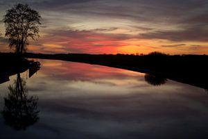Zonsondergang over het kanaal von Frouwkje Fotografie