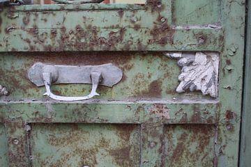 Roestige, griekse deur