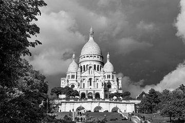 Sacré-Coeur (Paris) mit bewölktem Himmel von Emajeur Fotografie