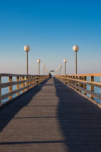 Pier on the Baltic Sea coast in Heiligendamm van Rico Ködder