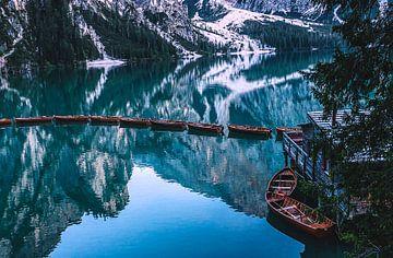 Boote auf dem Pragser Wildsee von Thomas Heitz