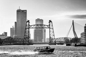 3 Rotterdamer Brücken (schwarz-weiß) von Rick Van der Poorten