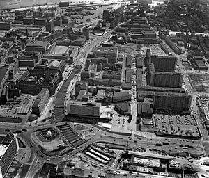 Rotterdam Hofplein Coolsingel 30-5-1963  luchtfoto van Roel Dijkstra