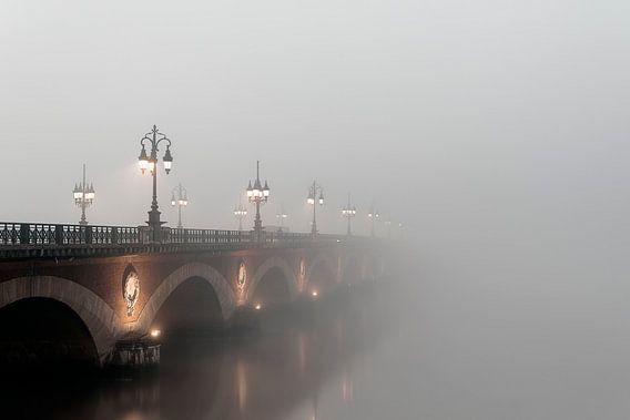 Phantom of the stone bridge