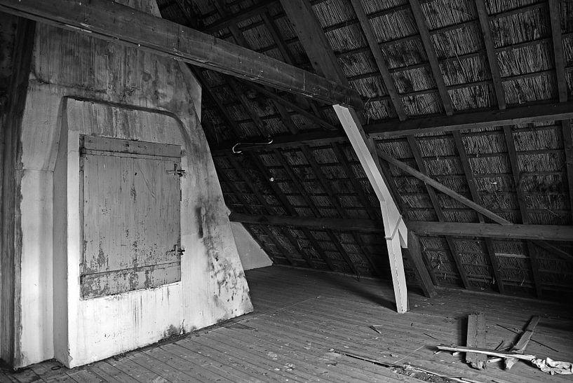 attic von Mariska Hofman