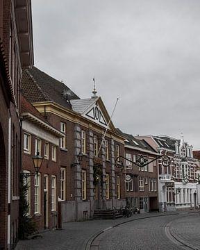 Straat met winterverlichting in Bergen op Zoom sur Kim de Been
