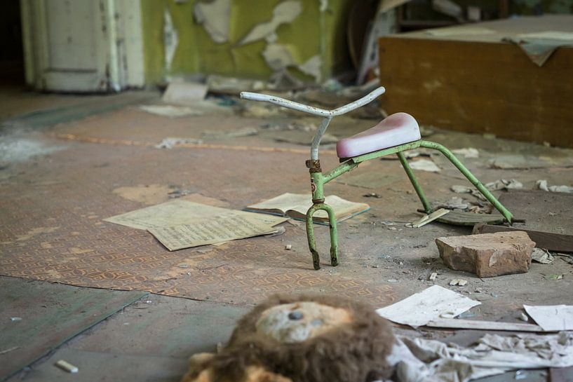 Kinderfiets Tsjernobyl van Erwin Zwaan